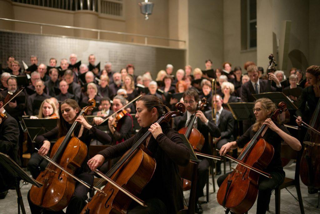 orchestre jouant musique classique en 432 hertz pour aider stopper le tabac