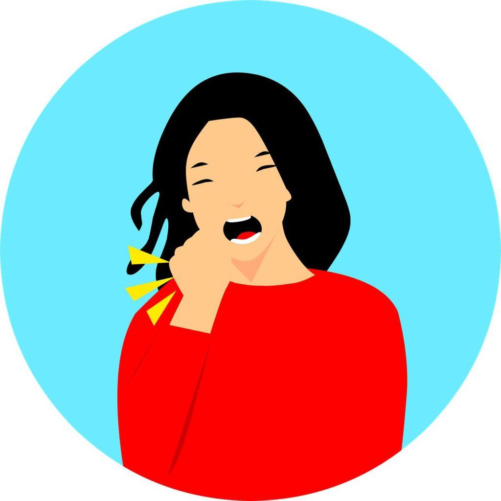 jeune-fille-tousse-en-fumant-